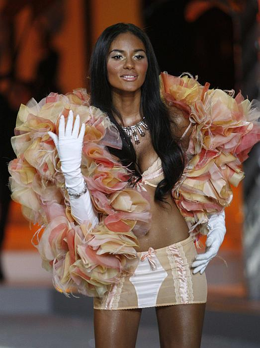 victorias_secret_fashion_show2008_13.jpg
