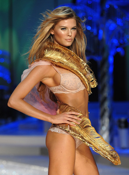 victorias_secret_fashion_show2008_15.jpg