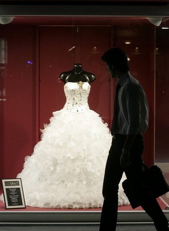 Wedding Dress display by Tiamo Bridal