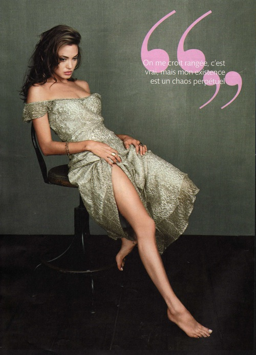 angelina_jolie_madame_figaro_france_november2008_02.jpg