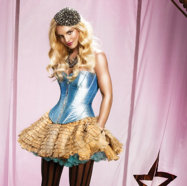 britney_spears_circus_promo01.jpg