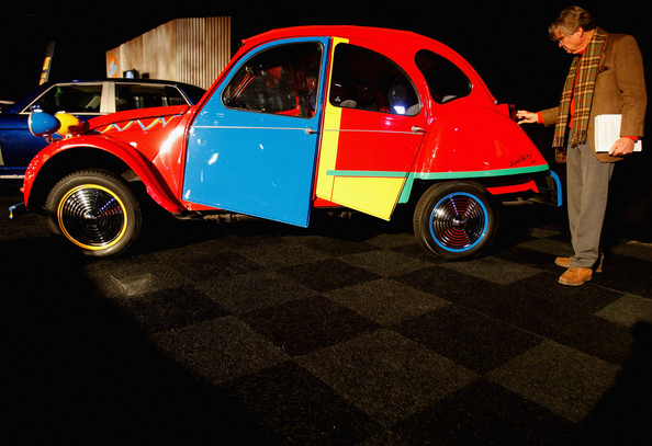 rm_auctions_citroen_2cv_by_andy_saunders.jpg