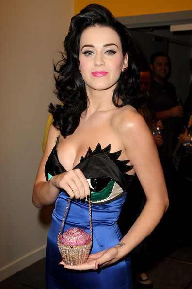 katy_perry_mtv_europe_music_awards2008_arrivals02.jpg