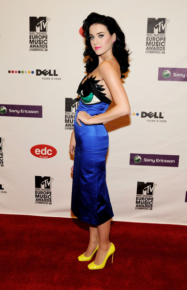 katy_perry_mtv_europe_music_awards2008_arrivals03.jpg