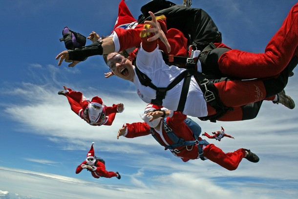 christmas_santa_claus_skydiving_southern_highlands_sydney.jpg
