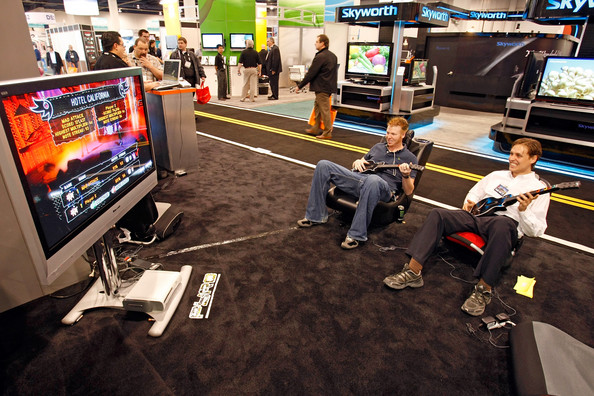consumer_electronics_show2008_guitar_hero_pyramat_performance_gaming_chairs.jpg