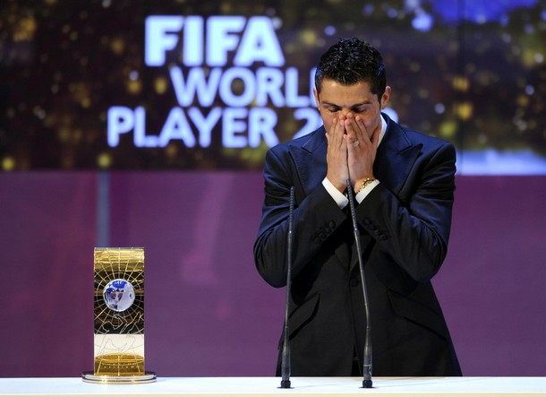 cristiano_ronaldo_fifa_world_player_2009.jpg