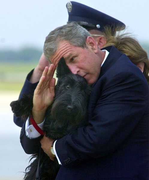 george_w_bush_barney_dog_june_2001.jpg