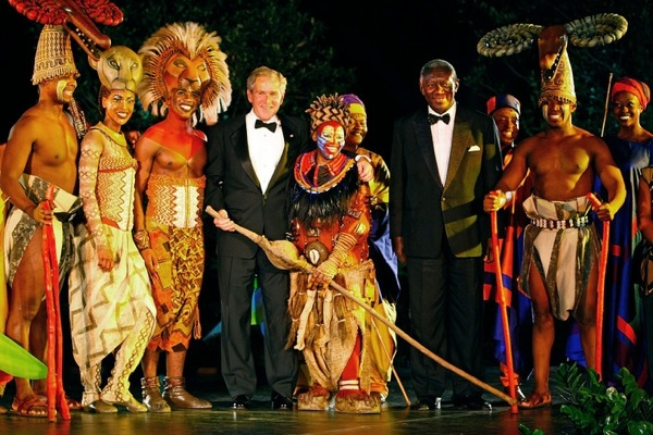 george_w_bush_ghana_presiden_john_kufuor_the_lion_king_broadway_cast_white_house.jpg