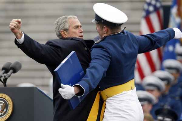 george_w_bush_graduation_ceremony_air_force_academy_may_2008.jpg