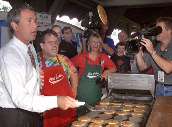 george_w_bush_pancakes_flip_campaign_trail_iowa_1999.jpg