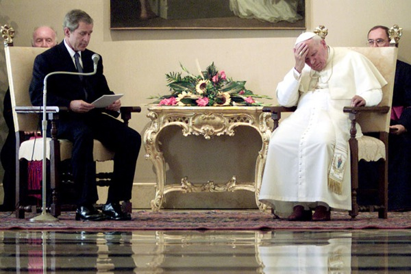 george_w_bush_pope_john_paul2_july2001.jpg