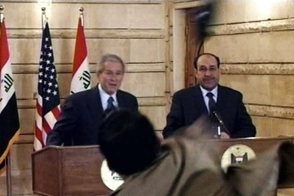 george_w_bush_shoe_throw_bagdad_press_conference.jpg