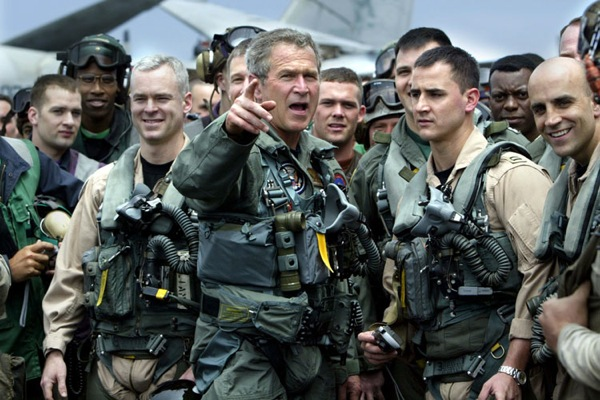 george_w_bush_uss_abraham_lincoln_aircraft_carrier_1may_2003.jpg