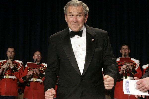 george_w_bush_white_house_correspondents_dinner_orchestra_conductor.jpg
