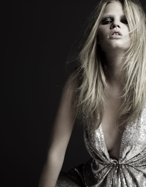 lara_stone_hedi_slimane_lara_by_night03.jpg