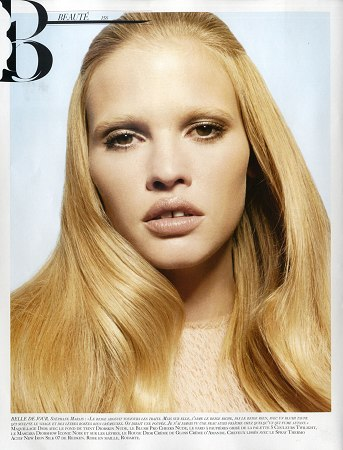 vogue_paris_feb2009_lara_stone_beaute3.jpg