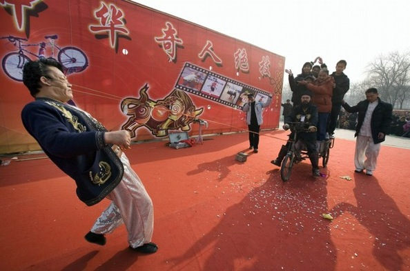 chinese_new_new_year_beijung_tricycle_performance.jpg