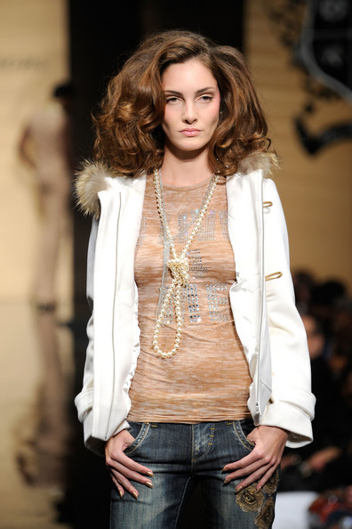 ny_fashion_week_baby_phat_kls_collection08.jpg