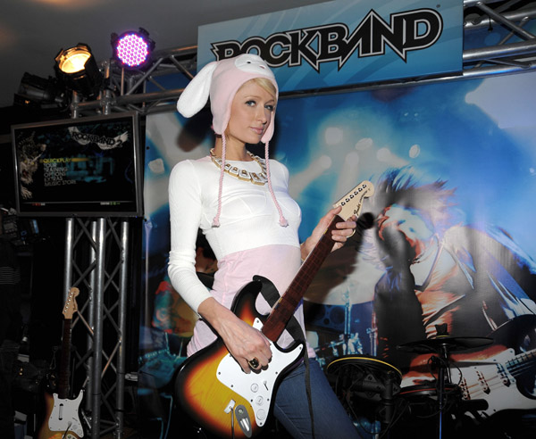 paris_hilton_rock_band_lounge_utah.jpg