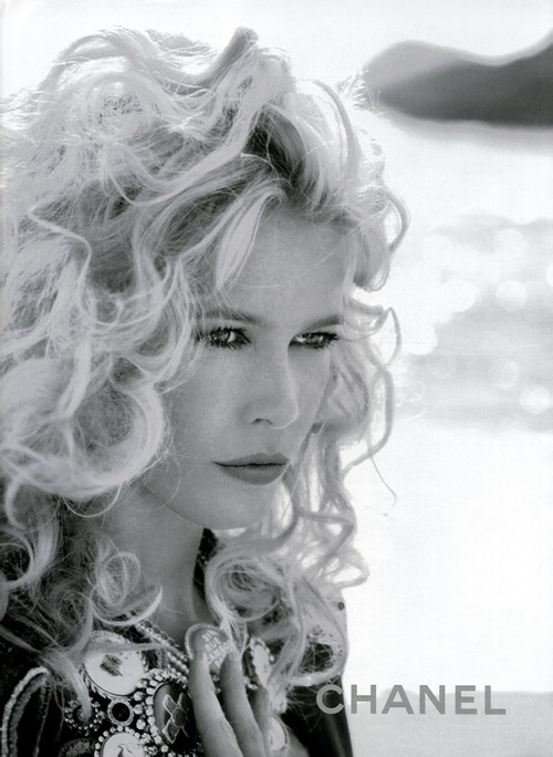 claudia_schiffer_chanel_ad_ss2008_03.jpg
