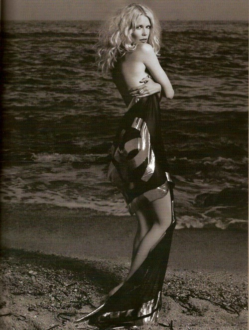claudia_schiffer_chanel_ad_ss2008_03a.jpg