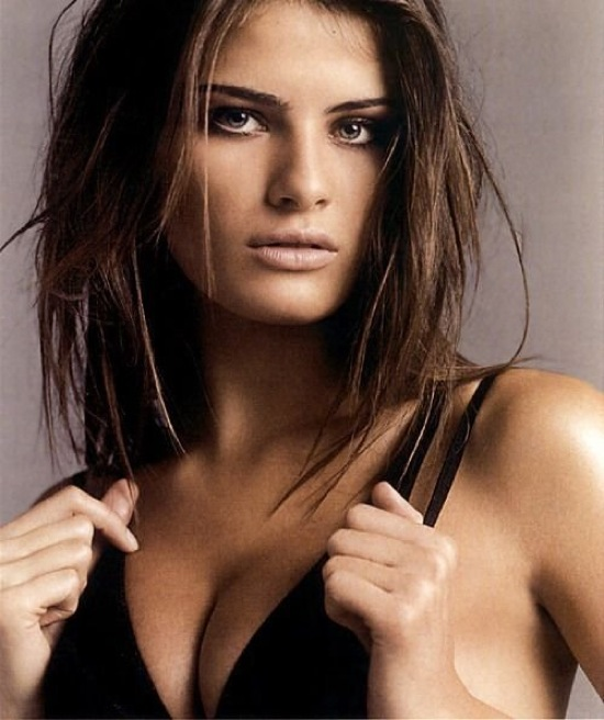 isabeli_fontana_vogue_sep08_02.jpg