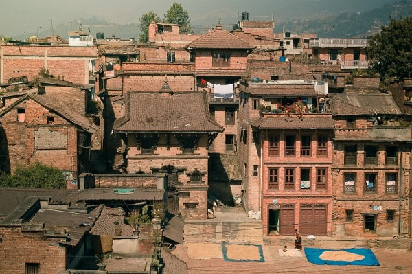 nepal_bhaktapur_roofs_and_a_blue_sheets_IMG_0137.jpg