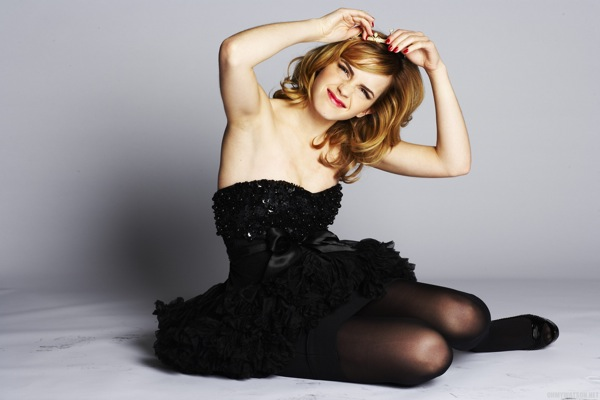 emma_watson_by_sean_cook_live_magazine_supplement_daily_mail06.jpg