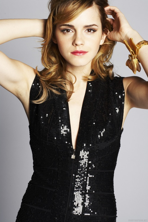 emma_watson_by_sean_cook_live_magazine_supplement_daily_mail14.jpg