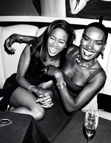 grace_jones_naomi_campbell_1990.jpg