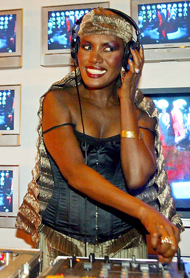 grace_jones_new_york_2003.jpg