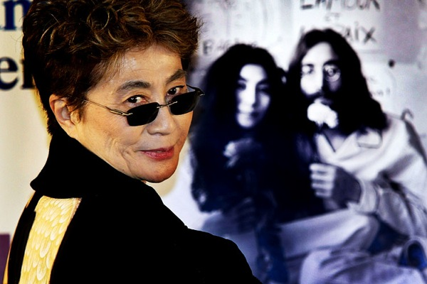 yoko_ono_bed_in_for_peace.jpg