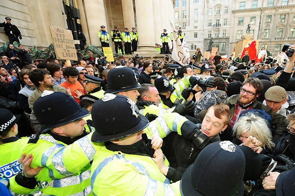 g20_protests_london10.jpg