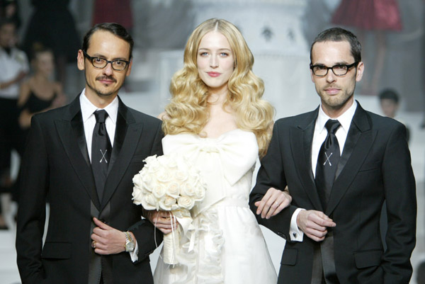 viktor_rolf_h_and_m_collection_show_with_raquel_zimmermann01.jpg