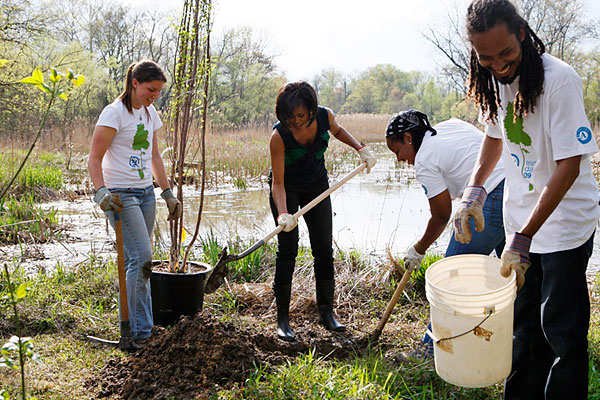 earth_day_michelle_obama03.jpg