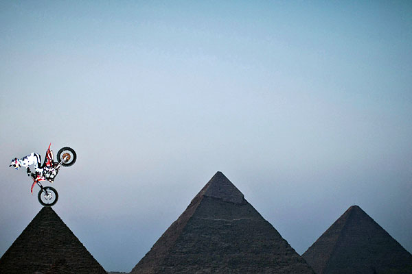 sport_freestyle_moto_red_bull_event_cairo.jpg