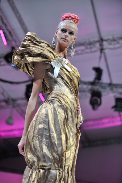 fashion_festival_singapore_christian_lacroix04.jpg