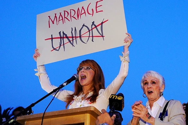 same_sex_rally_san_francisco_kathy_griffin_with_mother_maggie.jpg