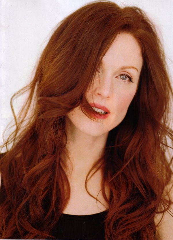 julianne_moore_c_magazine_september2006_03.jpg