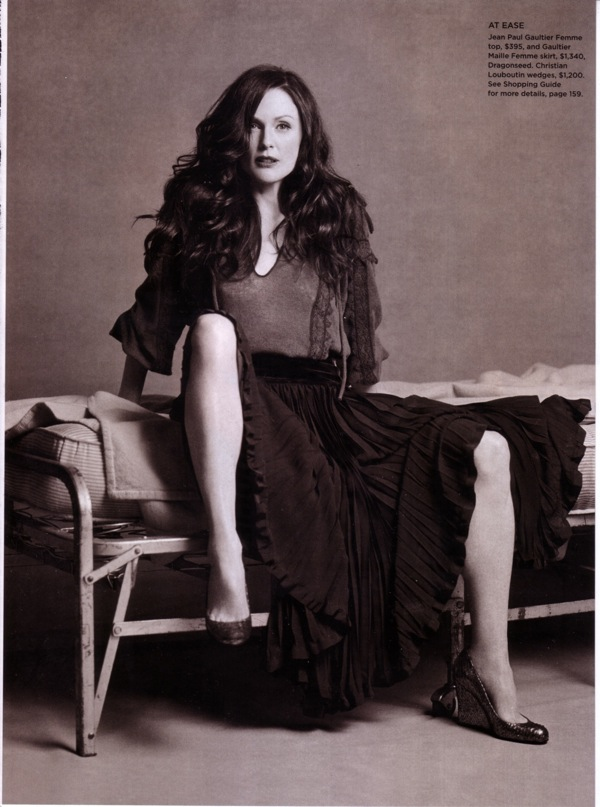 julianne_moore_c_magazine_september2006_04.jpg