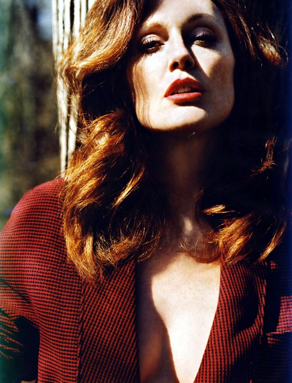 julianne_moore_vogue_uk_july2009_07.jpg