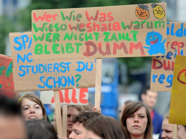 students_strike_germany06.jpg