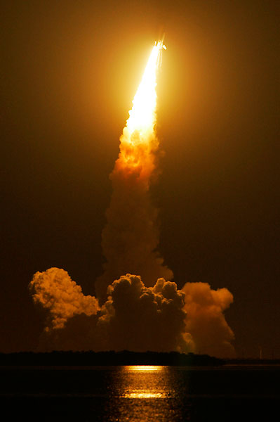 space_shuttle_endeavour_start02.jpg