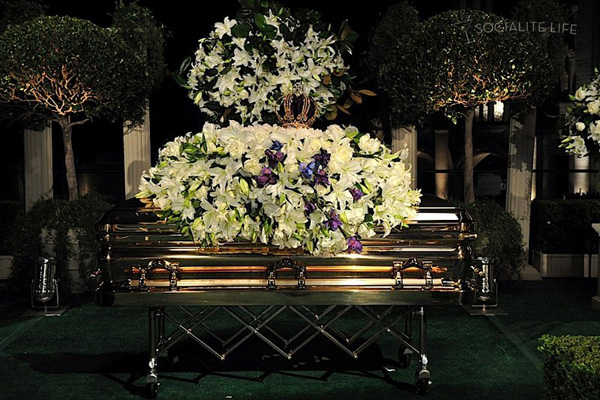 gallery_enlarged-michael-jackson-funeral-09042009-01.jpg