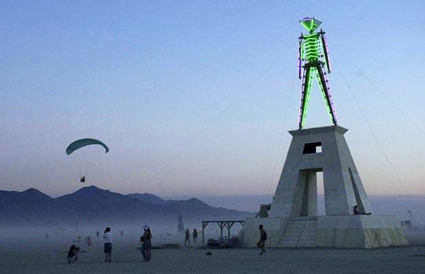burning_man_festival_2001.jpg