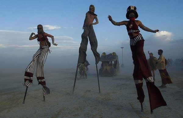 burning_man_festival_2004.jpg