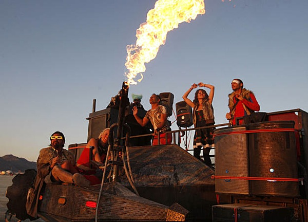 burning_man_festival_2009_15.jpg