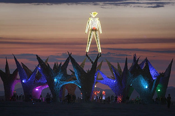 burning_man_festival_2009_32.jpg