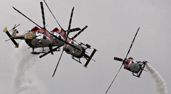 06-india-helicopters-n09100.jpg